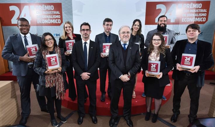 Vencedores 24º edição e diretoria CNH Industrial -Carlo Sisto - presidente do Banco CNH Industrial América Latina -Vilmar Fistarol - presidente da CNH Indust